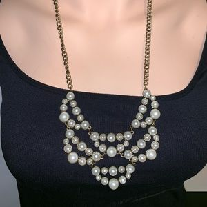 Pearl big front design necklace